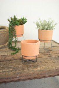 NATURAL CLAY PLANTERS WIRE BASE